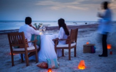Kenya honeymoon - dinner on the beach